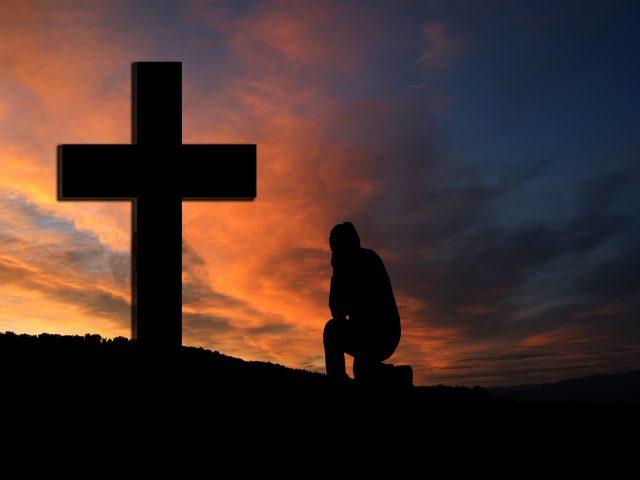 Gud är värd att falla på knä inför